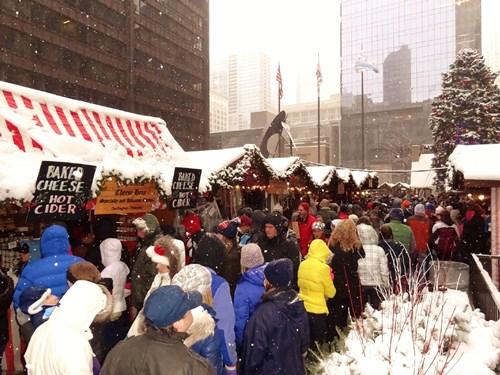christkindlmarket_chicago_hustle_and_bustle_snow