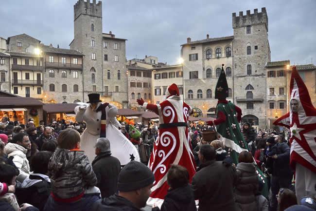 Mercatini di natale ad arezzo villaggio tirolese in for Arezzo mercatino