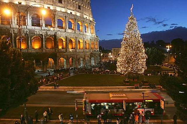 Babbo Natale 8 Dicembre Roma.Mercatini Di Natale Roma Date Orari Programmi Eventi