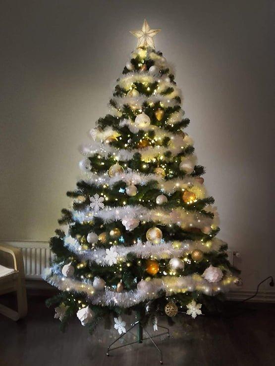 Alberi Di Natale Bellissimi Immagini.Alberi Di Natale Particolari E Originali A Giro Per Il Mondo