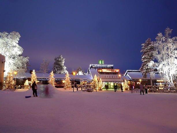 Casa Di Babbo Natale Al Polo Nord.La Casa Di Babbo Natale A Rovaniemi Il Santa Claus Village